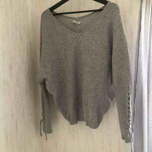 Stickad tröja från Tessie strl xs- 50kr