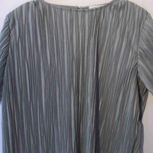superduper fin blus ifrån hannalicious kollektion med nakd!! jättebra skick, säljer för 65 inkl frakt. hör av er vid intresse💘💘💓💓💕💕💕💘💘💕💕