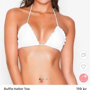 Säljer min bikiniöverdel som inte längre passar, använd ett fåtal gånger. Köparen står för frakten som inte är inräknad i priset, frakten ligger på 35kr