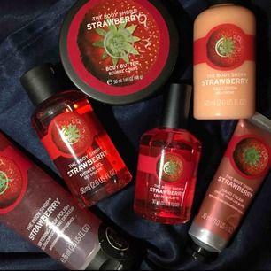 Flera olika produkter med lukt av jordgubb från The body shop. Skriv DM vid intresse så diskuterar vi pris 💘