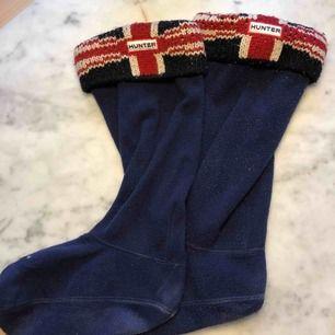 Äkta Hunter sockor som passar till vanliga Hunters stövlar. Fint skick.