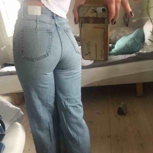 De klassiska ace jeansen från weekday! Säljer pga att jag inte har någon användning av de längre!