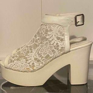 Klackade skor från Skopunkten, storlek 40. Priset är inkl. Frakt, priset kan även diskuteras.