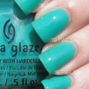 """China Glaze """"Keepin it Teal"""" 14 ml  Se gärna mina andra nagellack här på Plick.     Jag samfraktar & skickar spårbart mot förskottsbetalning med swish. Fraktpriser: 250 g: 49 kr; 500 g 55 kr; 1 kg 66 kr."""