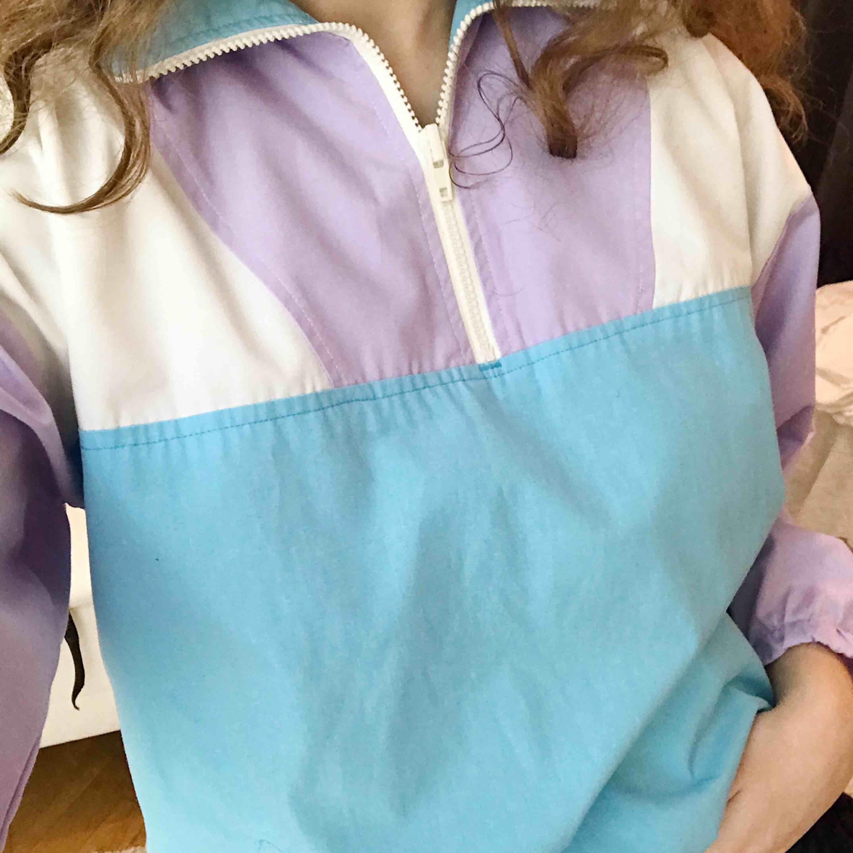 Jättefin tröja som tyvärr inte kommer till användning, skriv vid frågor 🥰. Huvtröjor & Träningströjor.