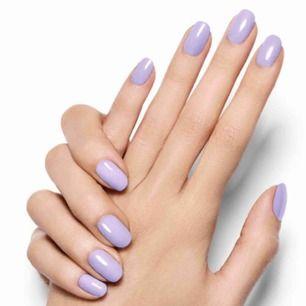 """Essie """"Lilacism"""" 13,5 ml  Se gärna mina andra nagellack här på Plick.       Jag samfraktar & skickar spårbart mot förskottsbetalning med swish. Fraktpriser: 250 g: 49 kr; 500 g 55 kr; 1 kg 66 kr."""