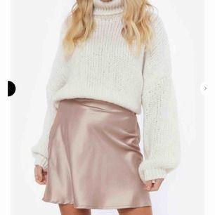 Säljer denna kjol från chiquelle som jag aldrig använt.