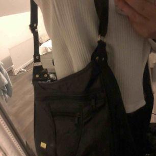 Super fin vintage väska  Frakt står köparen för