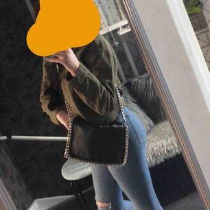 Säljer nu min älskade väska från scorett Storlek m skulle jag tro   Nypris:450-500 kr