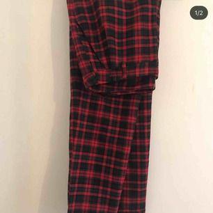 kostymbyxor från h&m storlek 40, insydda i midjan bra skick