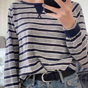 tröja från levi's, superskön och snygg. Sparsamt använd ❣️