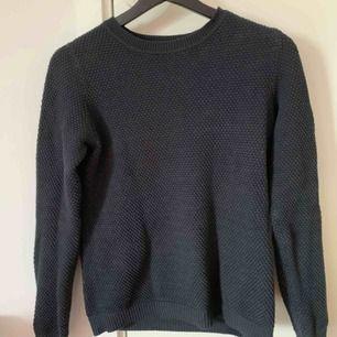 Jätte fin långärmad tröja från VILA! Storlek ca men funkar som S, använd några gånger men i bra skick💞