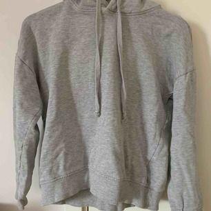 Jätte fin hoodie utan ficka! Nästan aldrig använd💞