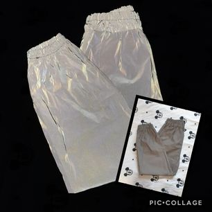 Reflex byxor i ONESIZE som passar XS-M för 75 kr! Köpta utomlands, har provat dem ett par gånger men aldrig använt dem då de ej är min stil tyvärr..