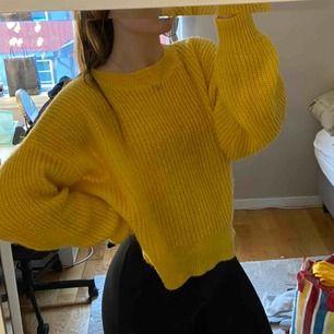 Jättemysig oversized tröja från h&m, knappt använd!