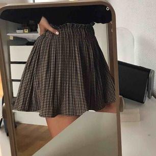 Skön och gullig kjol med shorts under🥰 Fraktar eller möts upp i Stockholm  Skriv vid intresse eller frågor :)