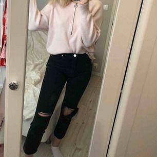 Mom jeans från Monki, passar S