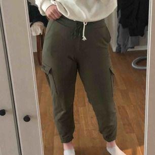 Militärgröna byxor från New yorker💕