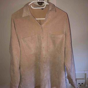 Beige manchesterskjorta från Zara!