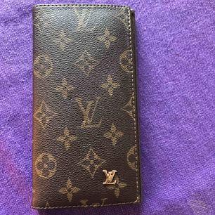 LV (kopia) plånbok sparsamt använd