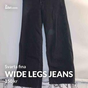 Jätte fina wide legs jeans 💞 köparen står för frakten 🚚