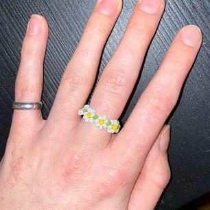 Jättegulliga ring som är egengjord🥰 Frakt ingår i priset!