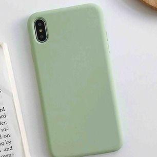 2 söta skal, ett i färgen ljusgrön och ett i ljusrosa till iPhone 7/8 plus. 129kr stk, inkl frakt. Eller så kan jag mötas upp i Lund 💕☺️