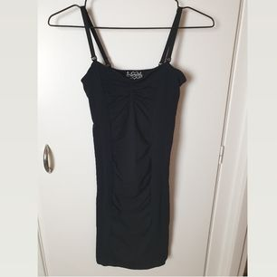 Sexy bodycon strappy dress from Free People. Super stretchy material. In great condition. Retail price was $59 (590kr). Buyer pays for shipping.