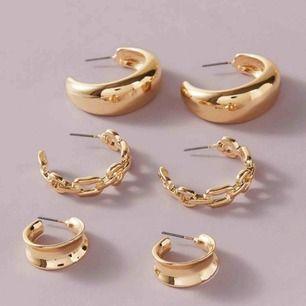 3 superfina guldfärgade oanvända örhängen. 1 för 79kr, eller alla för 119kr. Om du köper alla bjuder jag på frakten 😊