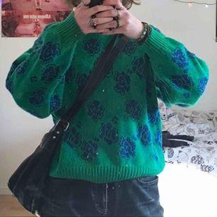 Fin stickad tröja från stadsmissionen, perfekt till våren :)
