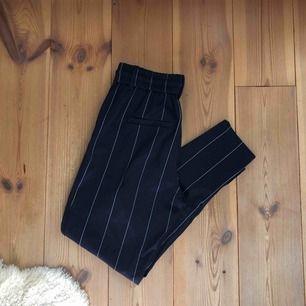 Kostymbyxor från only!💘 storlek xs aldrig använda