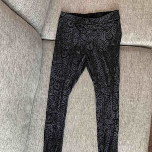 Aldrig använd. Leggings från Killstar. De är något genomskinliga så man ser smått in till huden.