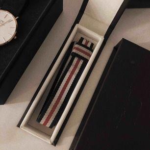 Woman Rosé Nato Armband från Daniel Wellington. Butikspris 250kr och uppåt, mitt pris 170 + frakt