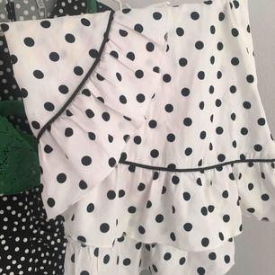 Suuuuuperfin minikjol från NAKD, älskar denna!!! Endast använd en gång! Frakt tillkommer💚