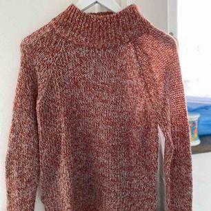 Stickad tröja från veromoda i storlek M. Använd 1 gång💗
