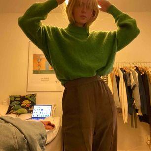 Stickad tröja från weekday, inte så tjock så lagom till våren