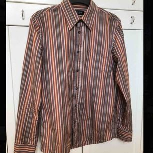 Snygg randig skjorta från Tiger of Sweden🌟