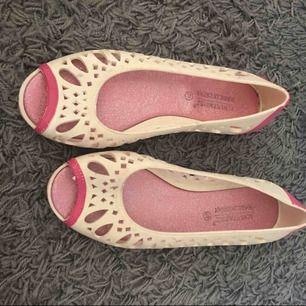 Gummy skor