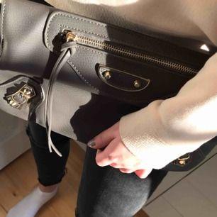 Balenciaga inspirerad väska, aldrig använd! Köparen står för frakten 🤍