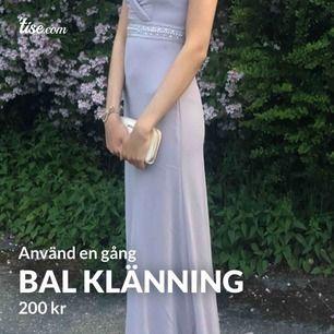 Lila klänningen storlek Xs Rosa S Använd en gång rosa klänningen 250 med frakt Lila klänningen 280 med frakt