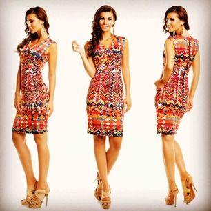Vacker mönstrad klänning. Storlek XL men något liten i storleken (mer som L) Skickas fraktfritt Ny https://nellasshop.com/products/bohemisk-klanning