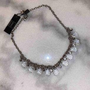 Halsband från snö, helt nytt✨