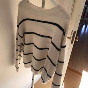 Fin stickad tröja som inte kommer till användning, köparen står för frakten ☺️