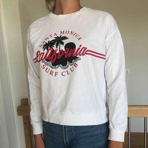Snygg tröja från HM. Knappt använd.
