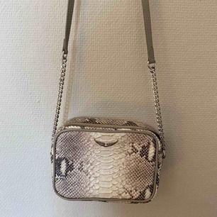 Zadig & Voltaire väska  Knappt använd
