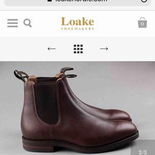 Bruna kängor från Loake i storlek 37, nypris 3399kr, använda fåtal gånger då de är för små för mig. Är mellan 37/38 och dessa är mer en 37:a. Äkta läder så håller länge!