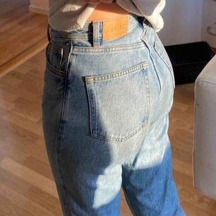 Mom jeans från monki, storlek 25 i midjan!
