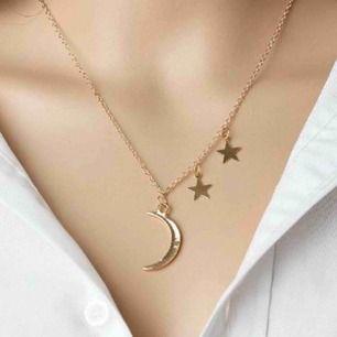 Guldfärgat halsband med måne & stjärna!⭐️🌙