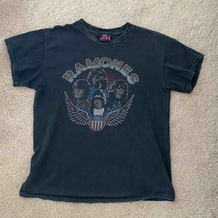 Ramones T-shirt från brandy Melville