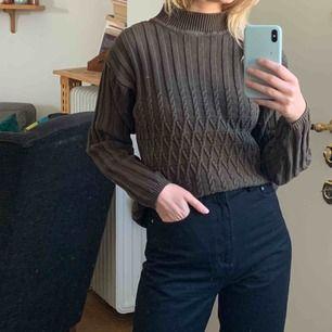 Brun-grön tröja köpt vintage. Frakt 59kr